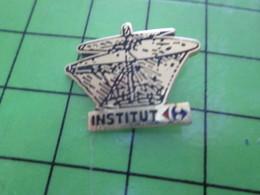 316B Pin's Pins / Rare Et De Belle Qualité !!! THEME : AUTRES / INVENTION DE LEONARD DE VINCI INSTITUT CARREFOUR - Pin