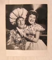 Superbe Photo De Presse BOURVIL & Lysiane REY Dans Le Maharadjah - L'Alhambra 1947 - Pour Journal Spectateur - Célébrités