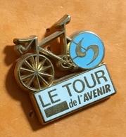 CYLISME LE TOUR DE L AVENIR - Cycling