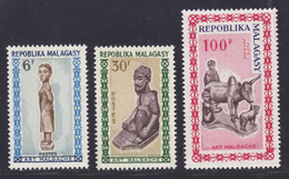 MADAGASCAR N°   397 & 398, AERIENS N° 96 ** MNH Neufs Sans Charnière, TB (D7492) Art Malgache 1964 - Madagaskar (1960-...)