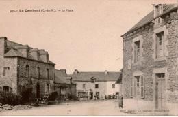 Cpa 22 LE CAMBOUT  La Place , Animée, Automobile Ancienne , Carte écrite Par Une Réfugiée Du Nord - Francia