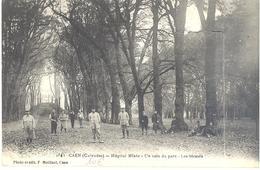Caen - Hôpital Mixte - Un Coin Du Parc - Les Blessés - Caen