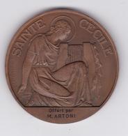 """MEDAILLE En BRONZE """"SAINTE CECILE"""" ( Patronne Des Mucisiens ) Signée G. CROUZAT / CHORALE SAINT CHARLES MARSEILLE 1953 - France"""