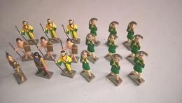 Lot De 18 Figurines Starlux Armées Antiques - 1/32 ème - Très Bon état - Pas De Cassés , Pas De Rafistolés - Starlux