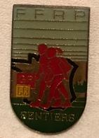 FÉDÉRATION FRANÇAISE RANDONNÉE PÉDESTRE - Badges