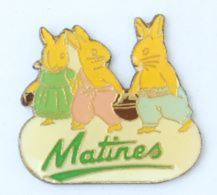 Pin's Les Oeufs MATINES -  La Famille Lapin - H161 - Food