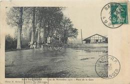 10 BAR SUR SEINE  Inondations Crue Seine 1910 Place De La Gare   2scans - Bar-sur-Seine