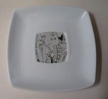 TASSE A CAFE ET SOUS TASSE CARREES TINTIN AU CONGO ELEPHANT - Art De La Table
