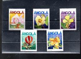 ANGOLA 699/703** SUR DES FLEURS - Angola