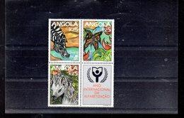 ANGOLA 811/813** SUR LES 3 DERNIERES VALEURS DE L ANNEE INTERNATIONALE DE L ALPHABETISATION - Angola