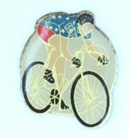 Pin's COUREUR CYCLISTE N° 54 Aux Couleurs De L'Europe  - H179 - Wielrennen