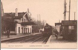 L150b283 - Ozoir La Ferrière - La Gare - Jolie Animation, Train Entrant En Gare - Editeur Bouet - France