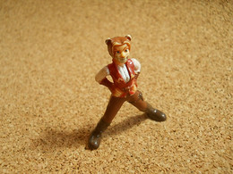 Figurine To Identify Lady Cat Lioness * Some Dirty - Unclassified
