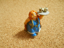 Figurine To Identify Female Red Hair Asterix????? MPG Copyright Goscinny Uderzo * Some Dirty * Kinder?????? - Unclassified