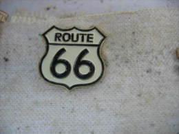 """Pin's Embleme De La """"Route 66"""" Transports Routiers - Transportation"""