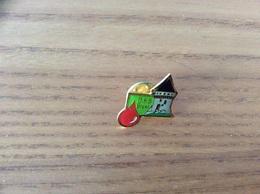 """Pin's """"DSB BREST"""" (don Du Sang, Tour Tanguy) - Associations"""