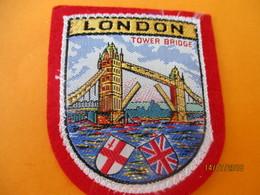 Ecusson Tissu Ancien à Coudre/ Ville De Londres / LONDON/ Tower Bridge/ Anglais /  Années 1970-1980                ET227 - Ecussons Tissu