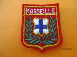 Ecusson Tissu Ancien à Coudre/Ville De MARSEILLE / Bouches Du Rhône/  Années 1970-1980                ET230 - Escudos En Tela