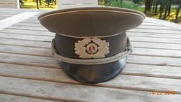 CASQUETTE Officier Infanterie Allemagne De L'Est NVA - Cascos