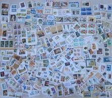 Vrac Timbres Monde Sur Fragments : Animaux, Fleurs, Personnages, ... A étudier - Voir Photos - Lots & Kiloware (mixtures) - Max. 999 Stamps