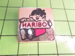516B Pin's Pins / Rare Et Belle Qualité THEME : ALIMENTATION / BONBONS HARIBO GARÇONNET - Food
