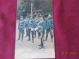 CPA - Hussards Allemands Avec Les Pigeons Voyageurs - Personnages