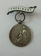 Médaille Président (comice Agricole) épingle Derrière Plaque Président Bellière - Professionals / Firms
