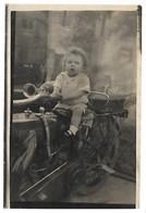 ENFANT Sur Une MOTO - CARTE PHOTO - Motorräder