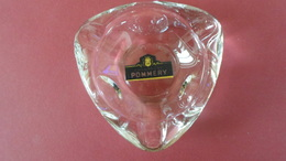 CENDRIER  CHAMPAGNE POMMERY   REIMS   *** *      RARE    ******  A   SAISIR ****** - Cendriers