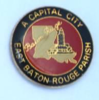 Pin's BATON ROUGE (Canada) - East Baton Rouge Parish - A Capital City  - Carte Et Monument - Paragon - H223 - Cities