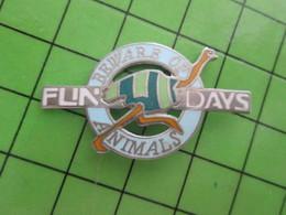 811J Pin's Pins / Rare Et Belle Qualité THEME : ANIMAUX / AUTRUCHE FUN DAYS BEWARE OF ANIMALS Numeroté 728 - Animals