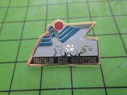 815A Pin's Pins / Rare Et Belle Qualité THEME : SPORTS / TRIATHLON CLUB MATHEYSINE - Badges