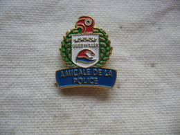 Pin's De L'Amicale De La Police De La Ville De GUEBWILLER (Dept 68) - Police