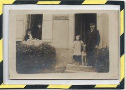 VERITABLE CARTE-PHOTO. - . PERCEPTION AVEC PERCEPTEUR ET SA FAMILLE - Professions