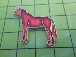 1217 Pin's Pins / Rare Et Belle Qualité THEME : ANIMAUX / GRAND CHEVAL BRUN CUIVRE - Animals