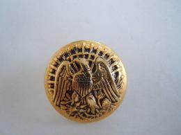 Knoop Bouton Arend Eagle Aigle Couleur Jaune Metal Goudkleur 2,7 Cm - Knopen