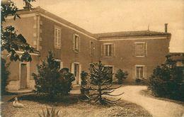 Cpa SAINT JEAN DE LIVERSAY 17 Choupeau - La Métairie - Bergevin 4881 - France