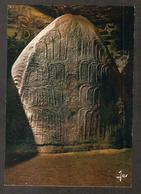 MX 2841 LOCMARIAQUER La Table Des Marchands Les Crosses Sculptées à L'intérieur Du Dolmen - Locmariaquer