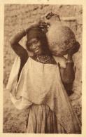B 6889 - Afrique     Femme Du Sud  Portant Une Cruche - Afrique Du Sud