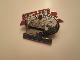 Pas PIN'S Mais BROCHE : TELECABINE SILVER BULLET STEAMBOAT NEIGE MONTAGNE - Winter Sports