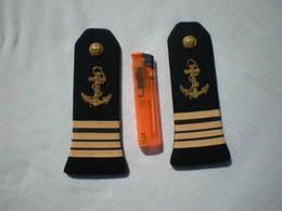 EPAULETTES MARINE Grade CAPITAINE DE CORVETTE - Uniforms