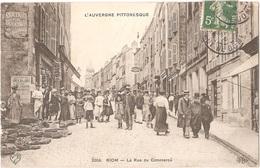 """Dépt 63 - RIOM - La Rue Du Commerce (marché) - Affiche """"Bains Et Douches 13 Rue Grenier"""" - VDC - ELD - Riom"""