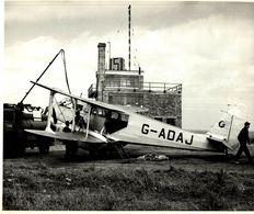 SCOTLAND KIRKWALL DH DRAGON RAPIDE DOMINIE   25 * 20  CM Aviation, AIRPLAIN, AVION AIRCRAFT - Lugares