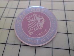 1717 / PINS PIN'S Rare Et De Belle Qualité : THEME MARQUES / NAF-NAF MODE DE PARIS CAMION ROUTIER - Trademarks