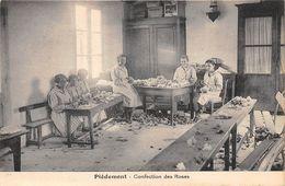 17-PORT-DES-BARQUES- PIEDEMONT- CONFECTION DES ROSES - France