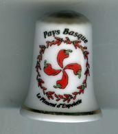 Dé à Coudre De Collection En Porcelaine - Pays Basque - Le Piment D'Espelette - Dés à Coudre