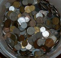 UN LOT  DE 250 GR DE   PIECES  DE MONNAIE DE PAYS DIVERS - Monnaies