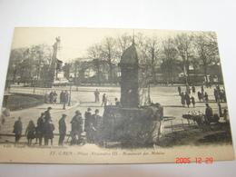 C.P.A.- Caen (14) - Place Alexandre III - Monument Des Mobiles - 1920 - SUP (AI 51) - Caen