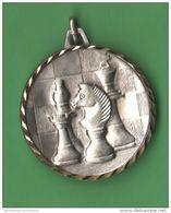 Scacchi Olbia Monti Medaglia Premio Funtanaliras 2004 Chess échecs Schach - Professionals/Firms