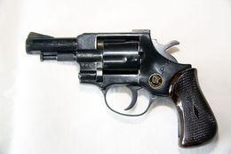 Revolver D'alarme Arminius HW1G (Cartouches 9mm à Blanc) - Armas De Colección